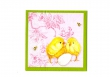 Kuriatka s vajíčkom na ružovom podklade